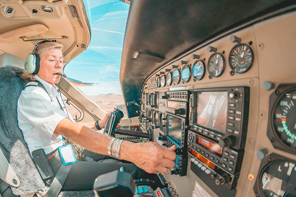 How much do pilots retire