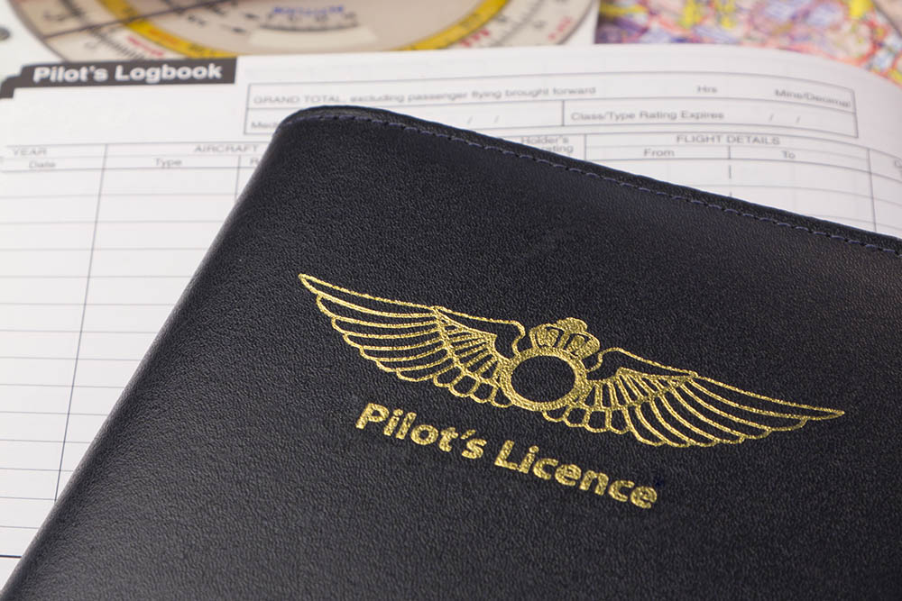 Does a private pilot license expire