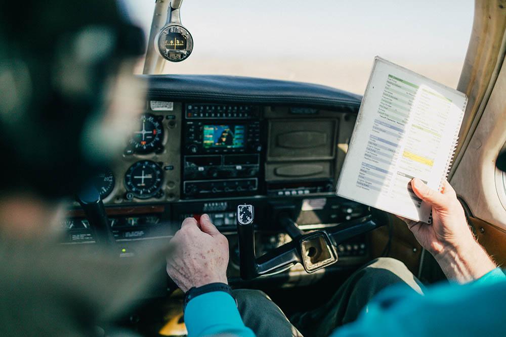 How do I become a flight instructor